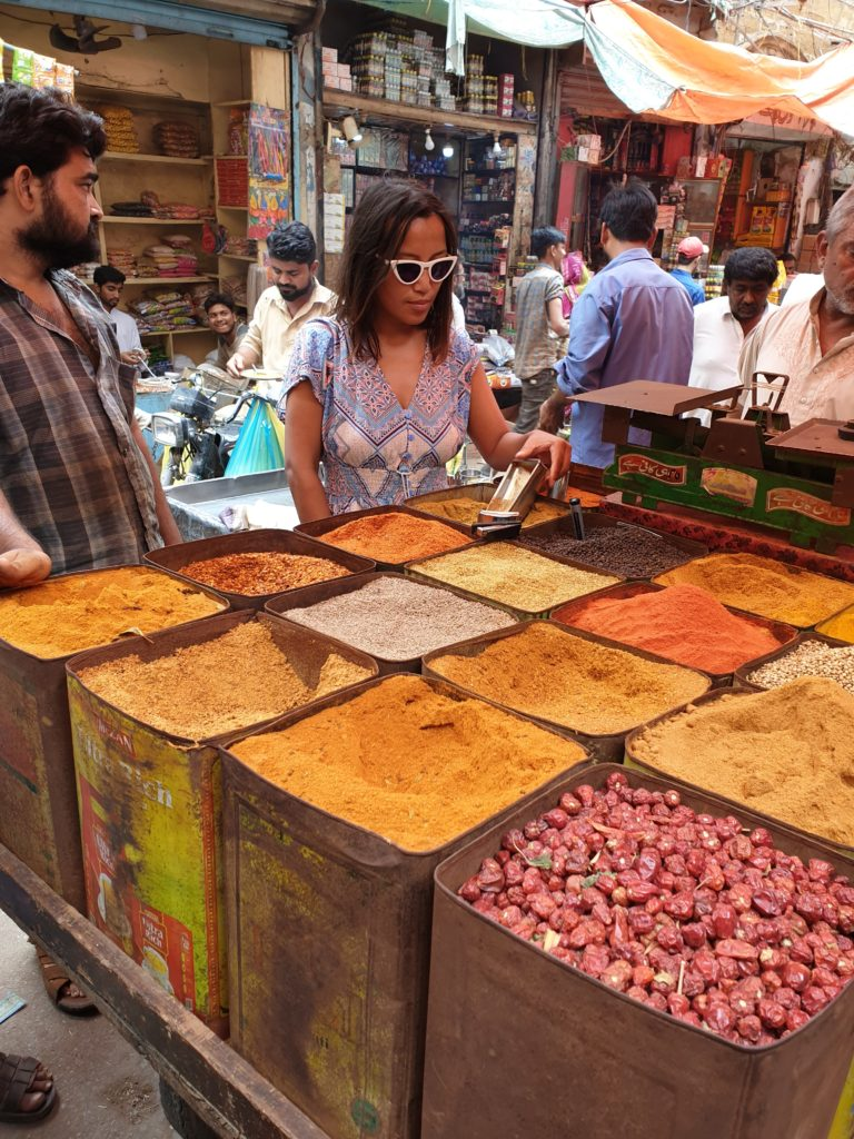 famous places in karachi