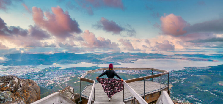 benefits of traveling alone