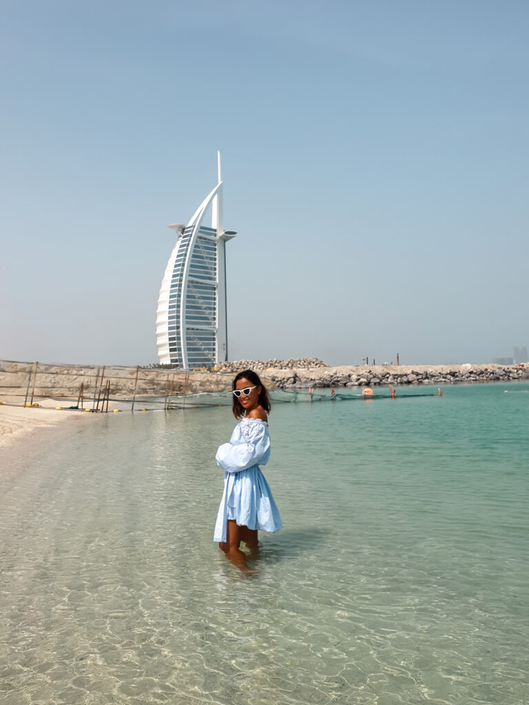 Dubai travel blogger